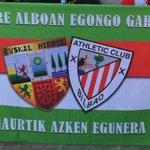 """me han prohibido colgar esta bandera en Vallecas porque """"el escudo de Euskal Herria es ilegal"""" @AthleticClub https://t.co/cu6KKu78qy"""