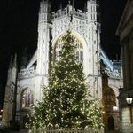 All is calm, all is bright. What a spectacular sight @BathAbbey is at night. @Visitbath @beautifulbath https://t.co/b1rJxtxbVN