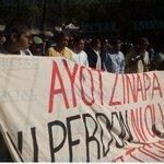 #AlMomento Sección 22 realiza mitin en el Zócalo. Vía: @adriangaytan17 https://t.co/GptVODZRjF