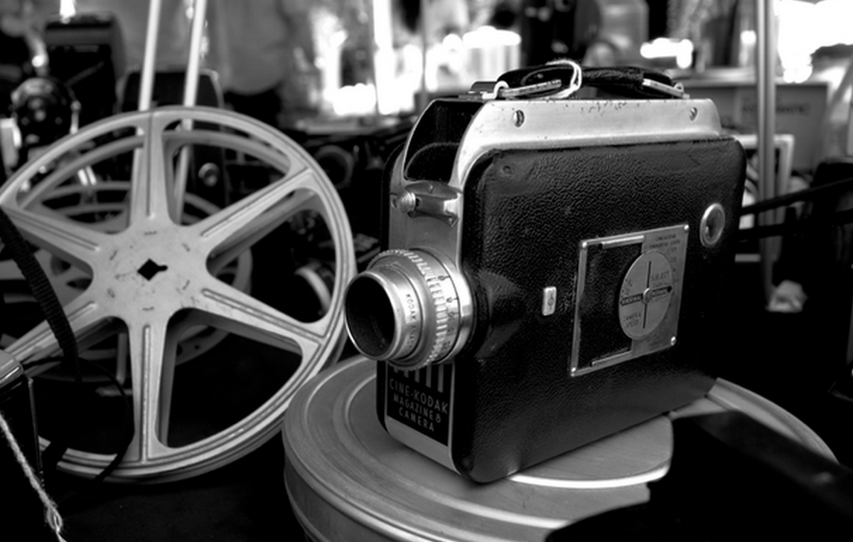 RT @hitRECord  This photography challenge is inspired by all things vintage: https://t.co/X7Xna6ho5B #LensProject https://t.co/emLe7Uynfb