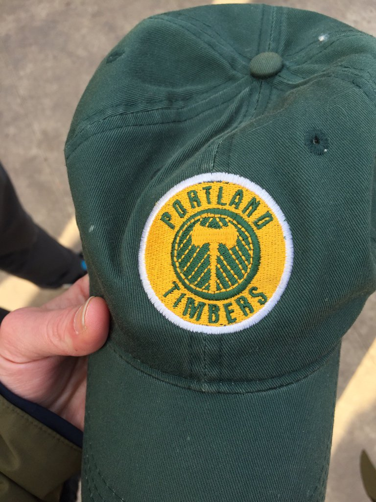 Oooh, @timbersarmy and @PTFCLineCulture  …! Help me find the owner of this hat. #RCTID https://t.co/5oQCE9NbFY
