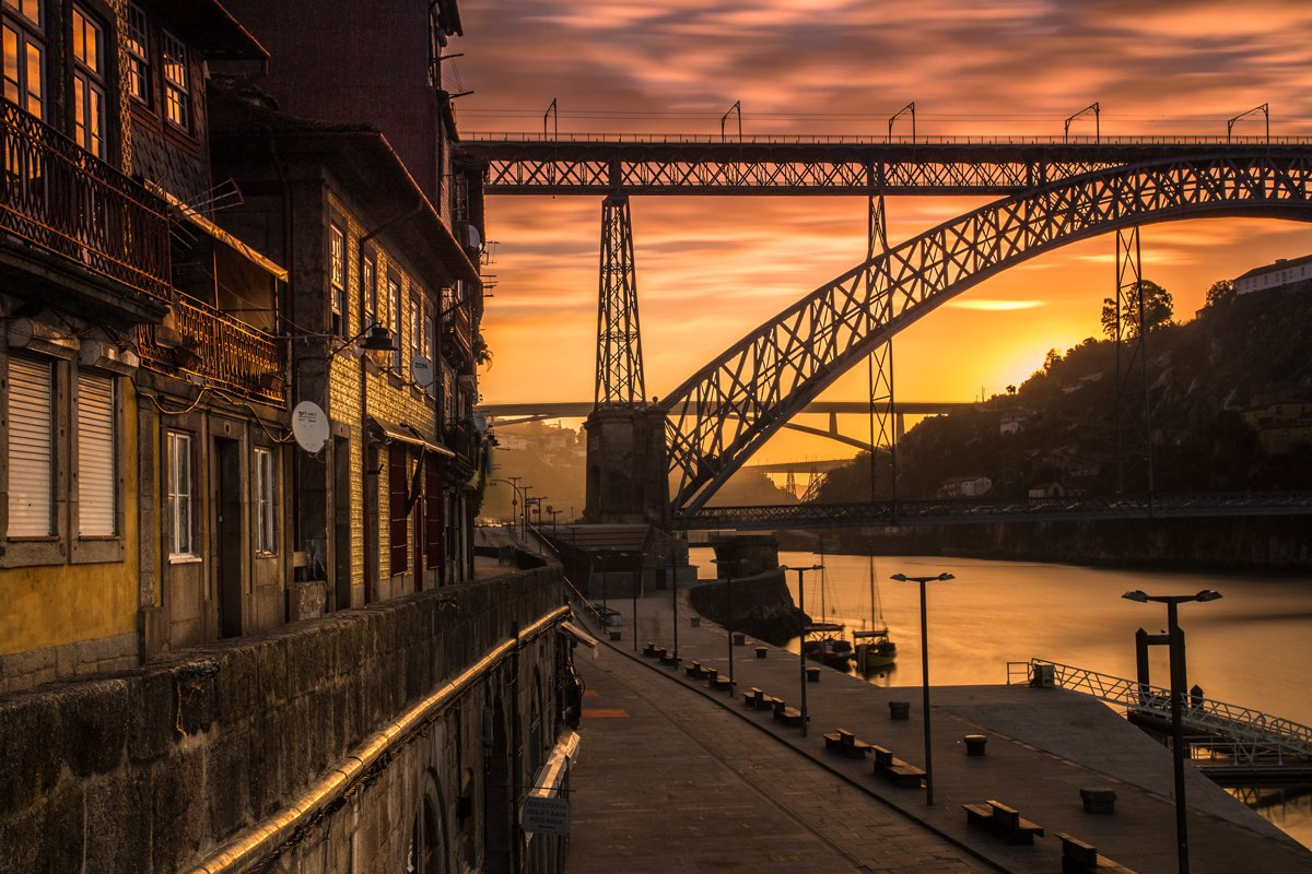 """*NEW*  """"The city of Porto sparked my creative side."""" --> https://t.co/u5LfL4p1VE #portugal https://t.co/PZ6PWxQkCt"""
