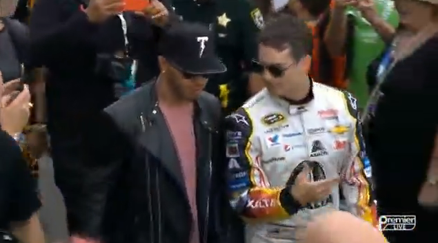 Lewis Hamilton e Jeff Gordon https://t.co/9KHQcCg4Sb