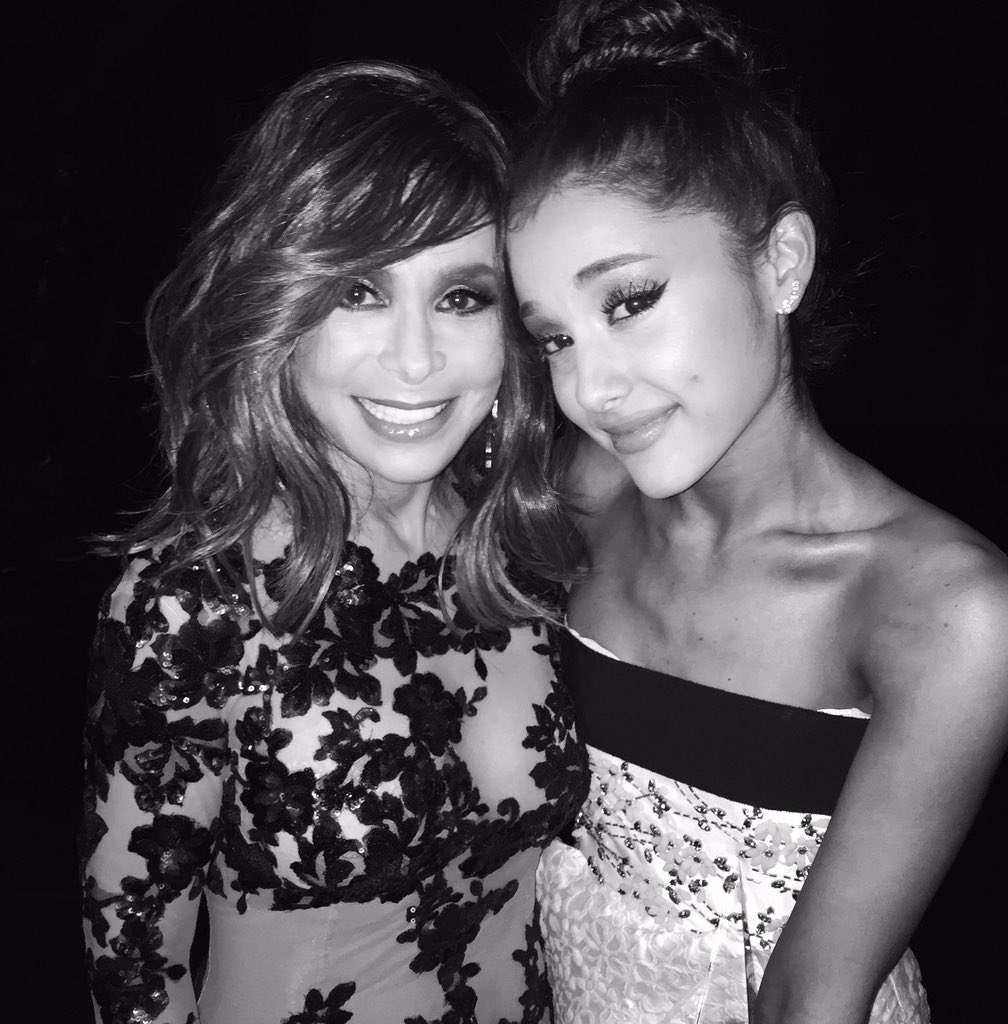 ".@ArianaGrande CONGRATULATIONS on your ""Favorite Pop/Rock Female Artist"" #AMAs win!! xoxoP @TheAMAs https://t.co/DE3oTIfk3v"