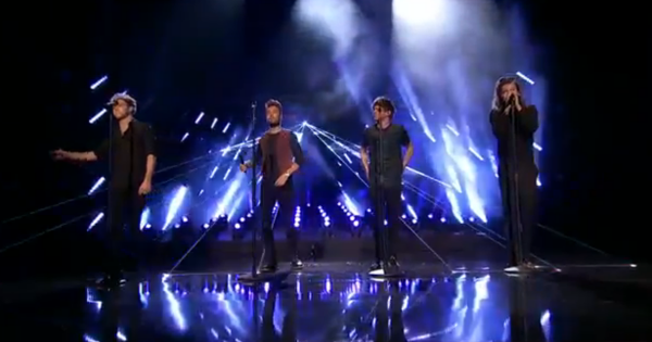 SO DAMN AMAZING. I MEAN PERFECT. #1DAMAs #AMAs https://t.co/J9Z8HaxO0H