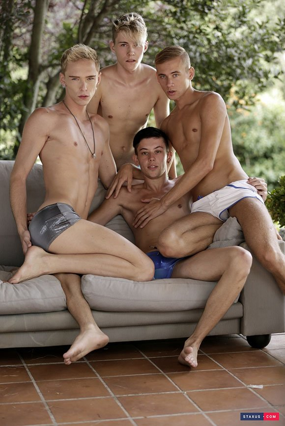 1 pic. Don't miss this hot 4some with & >> /