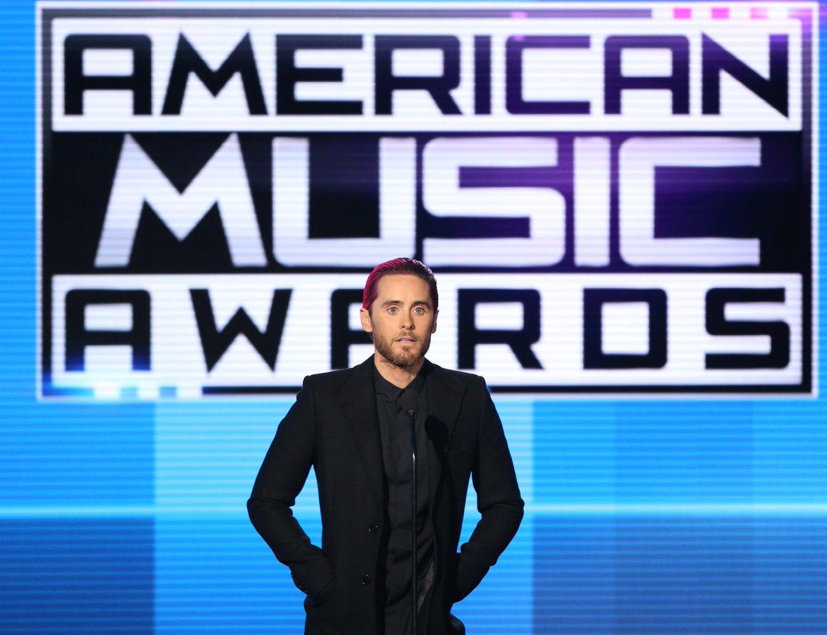 RT @USEmbassyFrance: Retrouvez le discours de @JaredLeto aux American Music Awards en hommage à @Paris https://t.co/7dMNYaYrqW https://t.co…