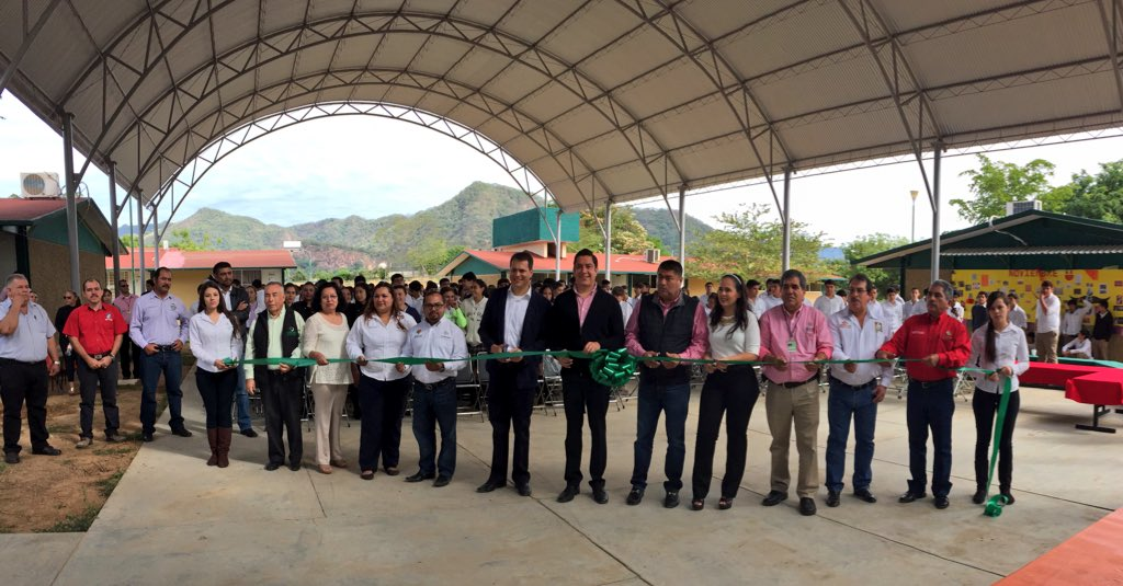 COBAED (@COBAEDoficial): Entrega del #domo e infraestructura al plantel de Tamazula a nombre del gobernador @JHerreraCaldera @JA_BeltranFelix https://t.co/INfZfKVjvV