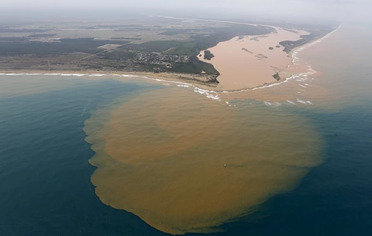 Brazil's 'worst environmental disaster'. Plume of mining waste hits Atlantic. By @bruceecurb https://t.co/YQxvtueq1q https://t.co/VEuM4pREP8