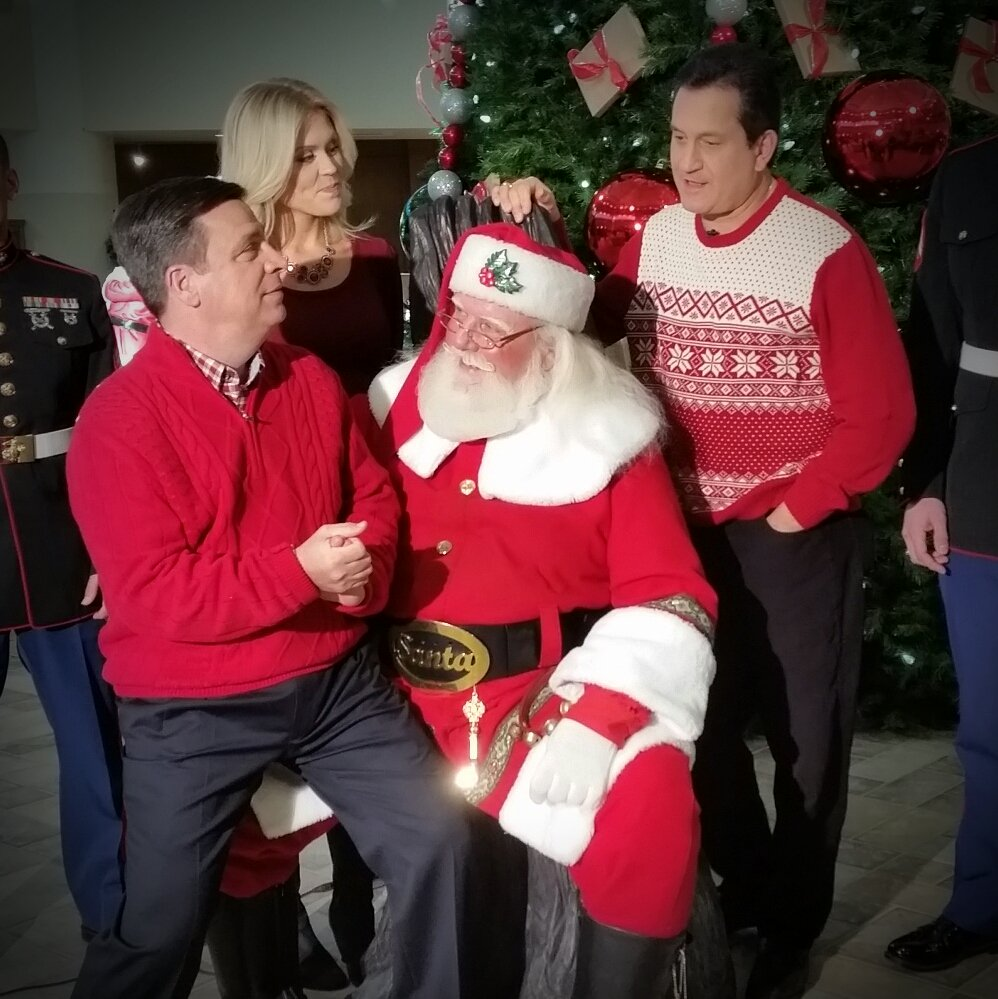 .@tony_tpetrarca sneaking in requests 4 Santa during @wpri12 #ToysforTots shoot at Cardi's @mmontecalvotv @NiRoPe https://t.co/pphSySdd2r