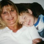 heres a picture of me and my mum and I miss her https://t.co/Kcq040wkOw