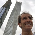 Jogging in Dubai. Is it not the same architect who built my nose a few years ago ? https://t.co/vLK0bMqEhu