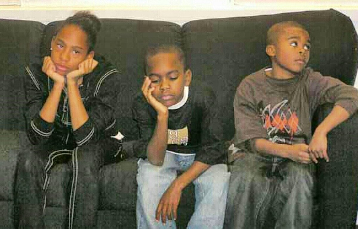 When you have to hang out with cousins, that you don't even know! #ThanksgivingWithBlackFamilies https://t.co/X5FML0LK4k
