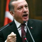 تركيا تُمرّغ كرامة الروس بالتراب ، وتُغيّر مسار عدوانها المـتغطّرِس ، وترسم قواعد جديدة. #تركيا_تسقط_مقاتلة_روسيا https://t.co/hRXrMBLH2W