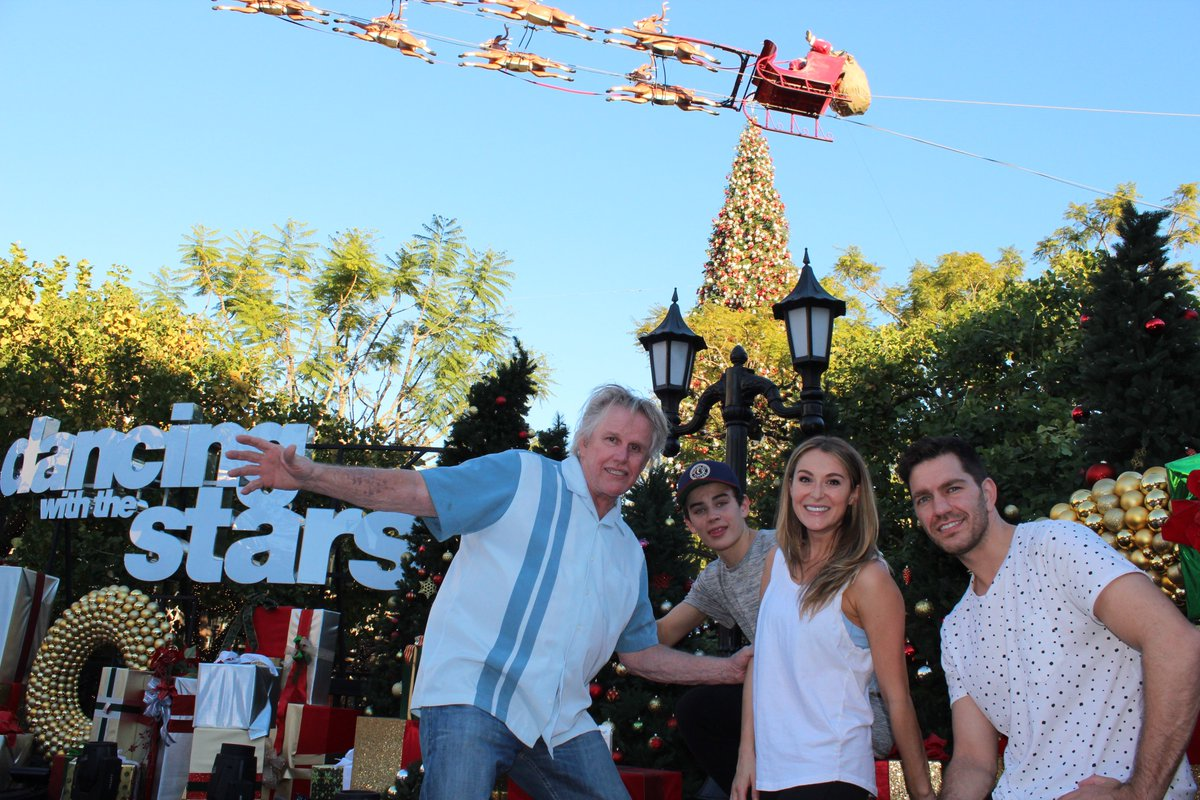 A great time with @HayesGrier @alexavega @andygrammer...and Santa for #DWTS finale at the Grove https://t.co/rAKwPbrK5W