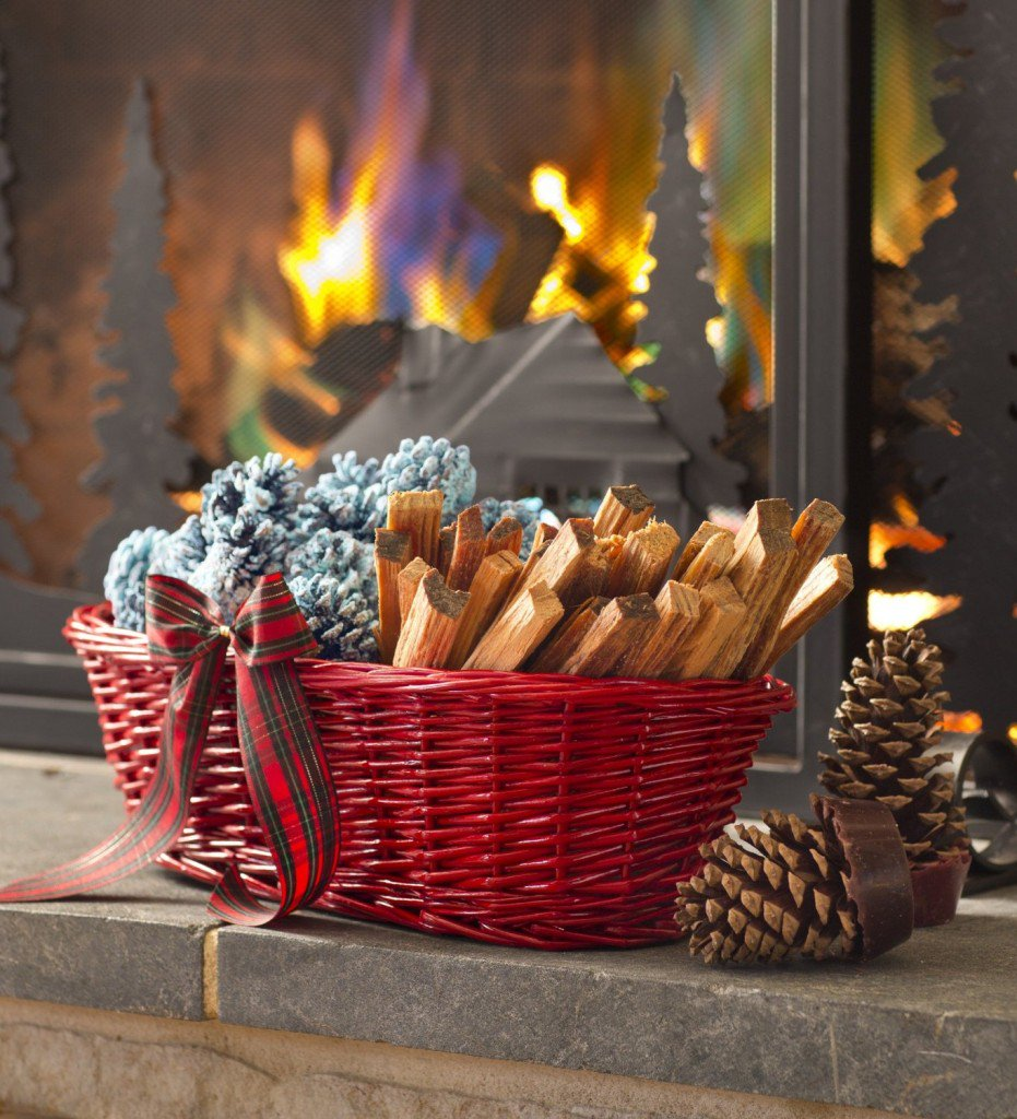 Make Your Own Color Burning Pine Cones for the Fireplace - https://t.co/Wgp26ncZVs #DIY #frugalgifts https://t.co/TF2U1r926s