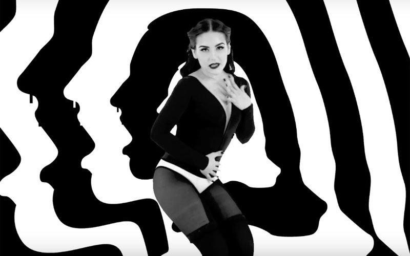 Assista agora a paródia de #BANGno5incoMinutos, que a @Kefera fez da @Anitta: https://t.co/GL82uUDWa8 https://t.co/FPEsiKhwUf