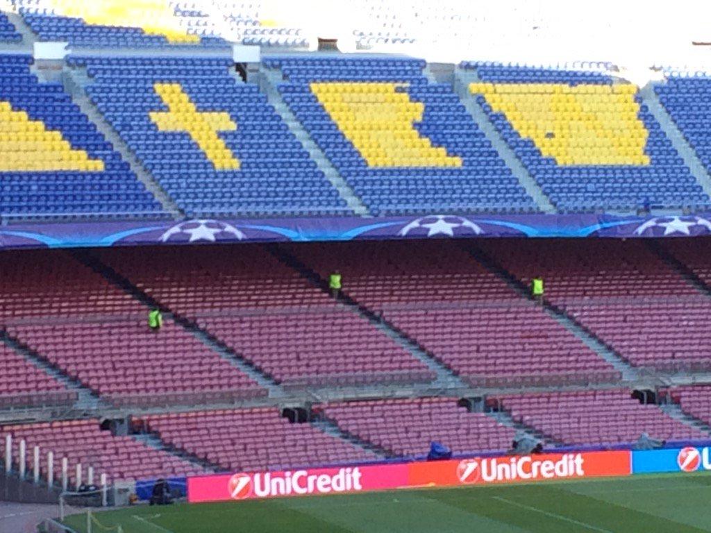 Al Camp Nou, revisió de totes les localitats, una a una, amb detectors de metalls. #fcblive https://t.co/FV0ybIQAM4