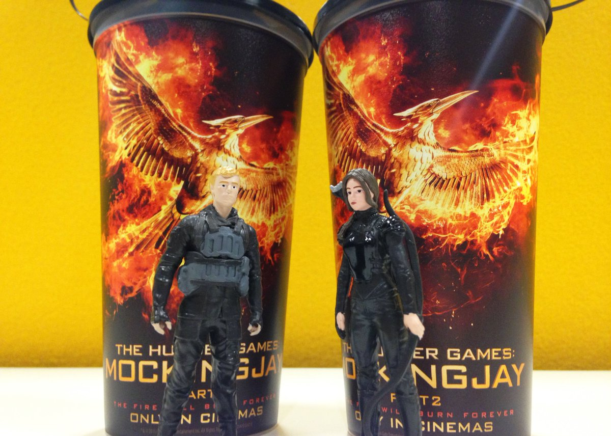 Win yourself a pair of #MockingjayPart2 cups! Follow & RT to win. Comp ends midnight 25/11 https://t.co/CI56C6ZyNV https://t.co/B2trIPX6b8