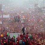 Aquí esta el pueblo de Chávez para proteger la patria bonita, la patria de nuestr@s hij@s. #YoDefiendoMiRevolucion https://t.co/9qEybjkQKj