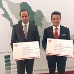 #PiedrasNegras y #Torreón recibieron el Premio al Desarrollo Municipal. Felicidades @mrikelme y @PURONJOHNSTON https://t.co/KvLRFWgIFb