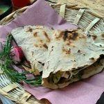 El placer de degustar una riquísima Tlayuda en #Oaxaca. #TwitterOax,#VíveloParaCreerlo,#México,#Turismo https://t.co/DGYd4hupfq