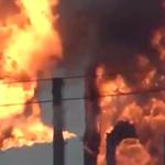 Así se incendió la refinería de Pemex, en Salina Cruz, Oaxaca (Video) https://t.co/awzp90Rqv5 https://t.co/K3J5qXoQxH