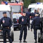 #ÚLTIMAHORA Reportan toma de rehenes en el norte de #Francia; hay siete personas heridas https://t.co/YE1AympysV https://t.co/6yf5CbNON9