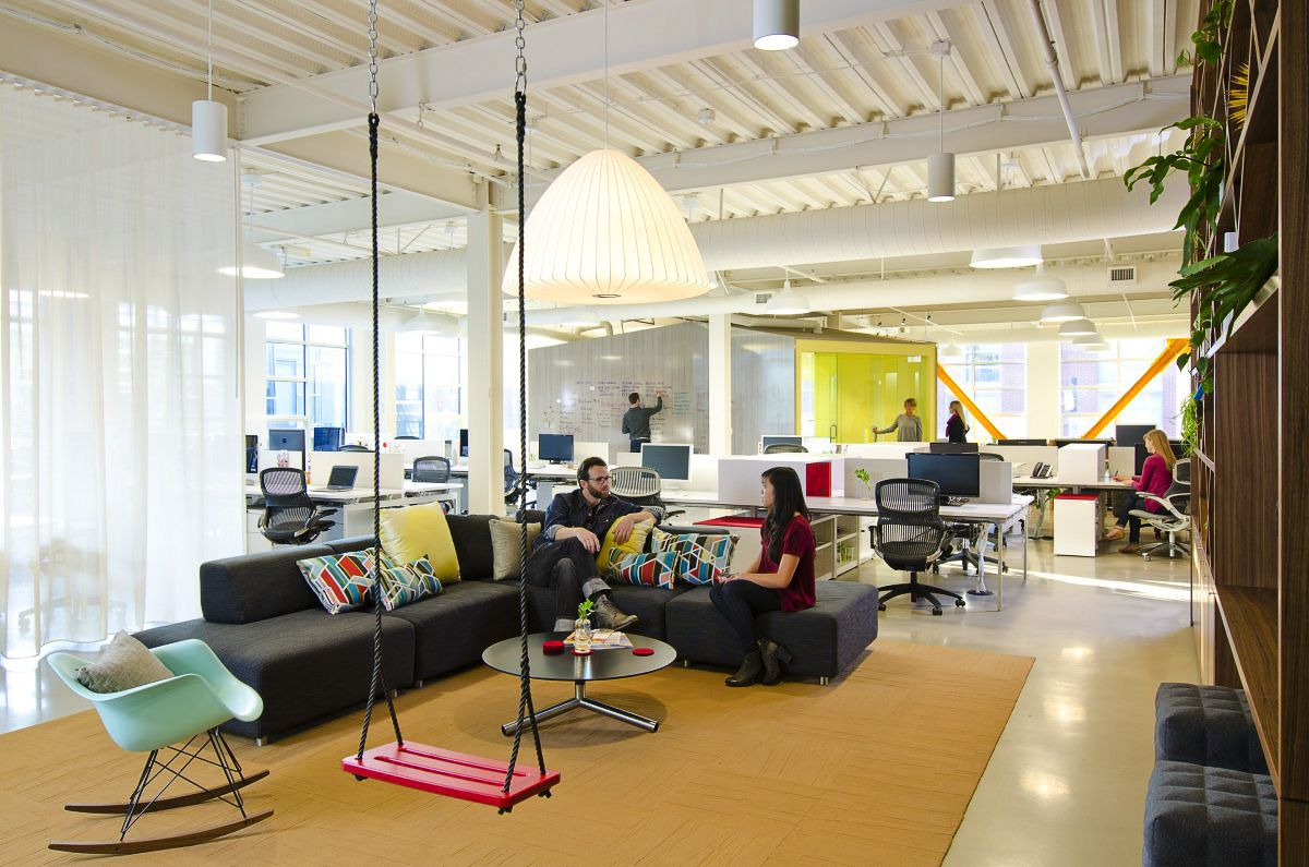 Why office spaces are making a comeback w/data from @CBRE https://t.co/6KuyaN5YQm #futureofwork #office https://t.co/xQiJom9dmg