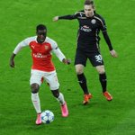 Here are a few pictures of @Arsenal in action during the first half #AFCvZAG https://t.co/J0YFChl3cu