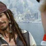 - Sois sin duda el peor pirata del que he oído hablar      - Pero habéis oído hablar de mí. https://t.co/dbeu9MhYjk