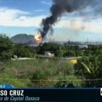 #AlAire Alfonso Cruz, reportero @CapitalOax; hablando con @MarthaReyesB sobre explosión en refinería de #Pemex https://t.co/5JZEwH38t8