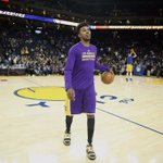 Swaggy loves the gold https://t.co/qkC6rdha1B