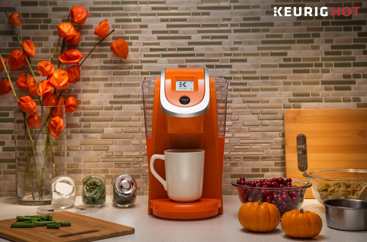 #Coffeetime! What #Keurig beverage gets you through your #ThanksgivingPrep days? https://t.co/AyTWswZpVb https://t.co/sOpbcMncJU