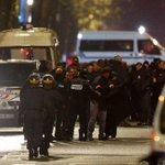 """#ÚLTIMAHORA Liberan a rehenes en #Francia; todos están en un """"lugar seguro"""",dijo la policía https://t.co/UjmoVCoEv9 https://t.co/LWVzXdgbRt"""