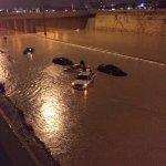 عاجل: الآن.. احتجاز عشرات السيارات مابين مخرج ٣٣-٣٤ بمدينة #الرياض . #الرياض_تغرق #السعودية #أمطار_الرياض - https://t.co/GWavBnoueJ