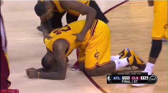 When you hit your little cousin too hard and don't want him to go tell on you  #ThanksgivingWithBlackFamilies https://t.co/SilAzIk4C4
