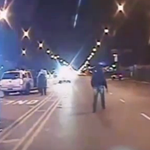 Watch video of Chicago police shooting of Laquan McDonald (warning: graphic) https://t.co/4D72gSit5U https://t.co/4oKJTQUVlx