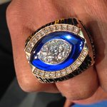 A close up of @lofton80s @ProFootballHOF ring. https://t.co/7vVyRoY9WS