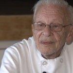 90歳のシェフ、ホームレスに食事を提供して逮捕 それでも「息をしている限り活動を続ける」 https://t.co/ZF3ouponjg https://t.co/V5HwaV5Dly