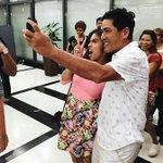 Si Meng selfie with Bossing hahaha! Ang cute nila tingnan @mainedcm Nakakatuwa! © @mainesadmirer #ALDUBApproval https://t.co/6ikDbArtJ2