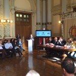 #RosaGil, Presidenta Mujeres Abogadas de @icavalladolid, lee un estremecedor #Manifiesto #ContralaViolenciadeGenero https://t.co/vPGo1O6qse