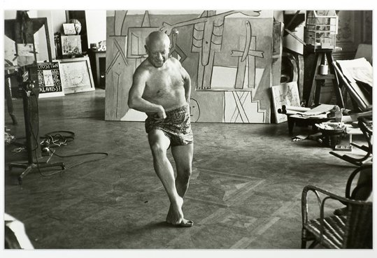Pablo Picasso dancing at his home in Cannes, July 1957. https://t.co/1Ny5Qucy2O