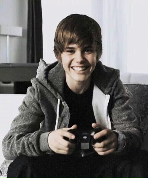 I FELL IN LOVE WITH THIS BOY #6YearsOfOneTime https://t.co/7XkR0n7ydK