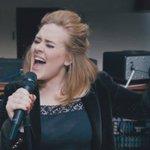 25, novo disco de Adele, já bate recorde de vendas nos EUA https://t.co/kCBhpEDraB #G1 https://t.co/duhP9mCCuk