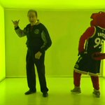 Norm Kelly busts a move to 'Hotline Bling' ahead of Raptors' Drake Night https://t.co/tYfTKHixa8 https://t.co/HBwogNg3gp