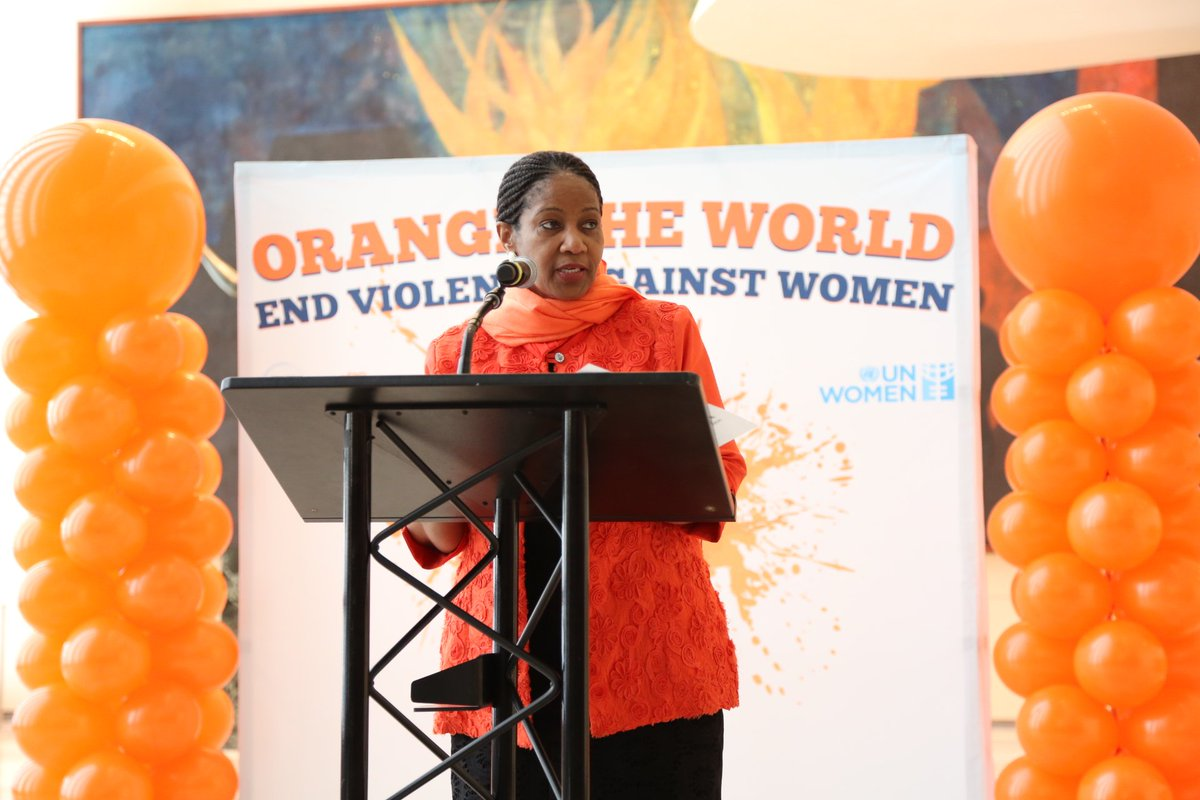 Event to commemorate Int'l Day to End Violence agnst Women kicked off in lobby of @UN in NY! #orangetheworld #16days https://t.co/0WnLNNxSR0