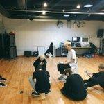 [#BTSnow] (사실은 콘서트 D-2 의 방탄...) ⭐방탄의 앨범 프리뷰와 함께 달달한 밤 되세요** https://t.co/QSpStRIyve