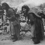Tα σκληρά σου λογια ήταν πέτρες πάνω σε γιαγιά...!!! #mrcyprus #klaigo https://t.co/LVALPGyq5n