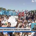 """[AHORA] #Visión7 - @CFKArgentina: """"Sé que nunca más van a abandonar la lucha"""" > https://t.co/GYiXqQWnBq https://t.co/K2PYuRzjSs"""
